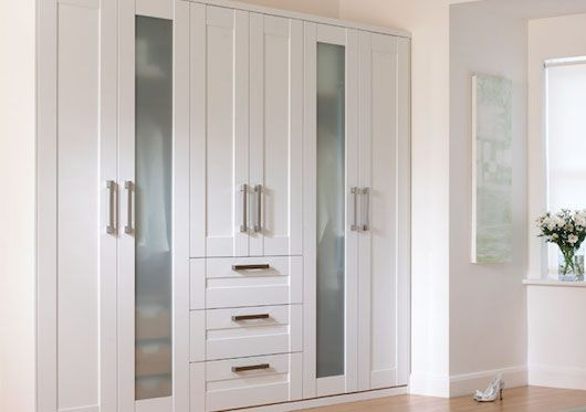 white-shaker-fitted-wardrobe